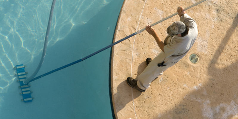 finding reliable pool service and repair