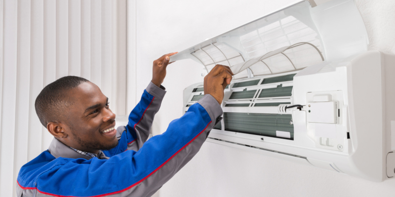 HVAC technician who works specifically with HVAC systems