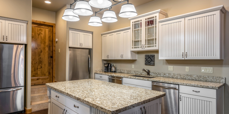 Granite kitchen countertops are popular for how they can resist heat and scratches