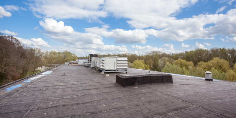 handle the expense of commercial roofing installation