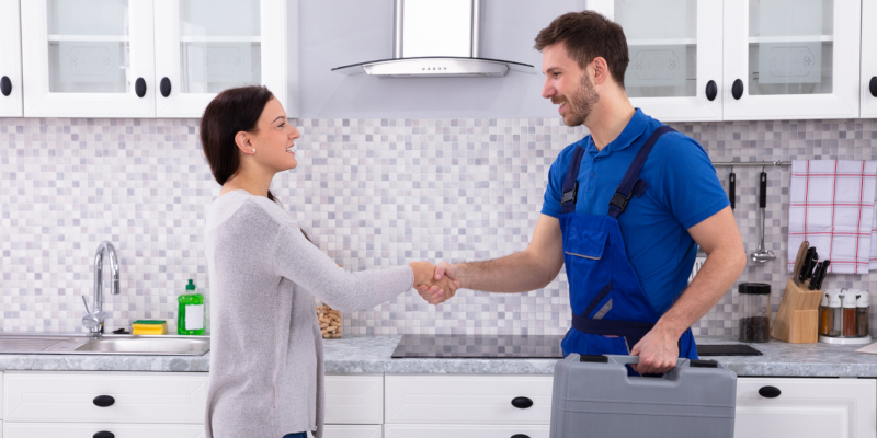 the best solution is to hire professional plumbing services